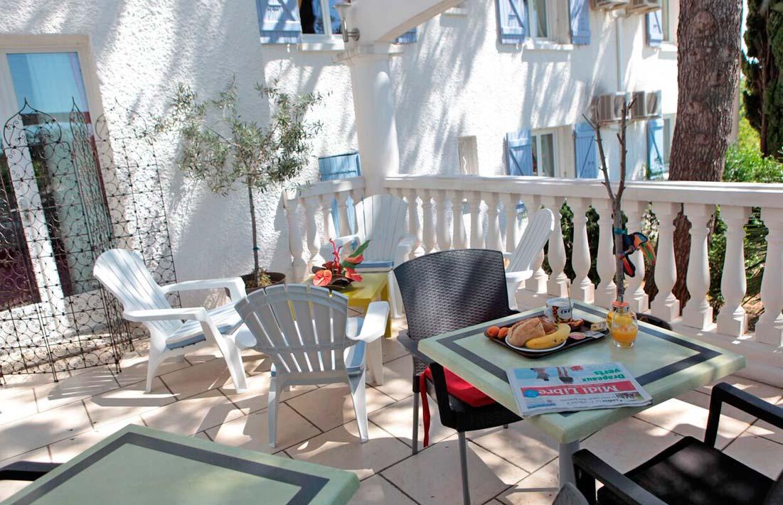 petit-dejeuner-clermont-lherault-hotel-travail